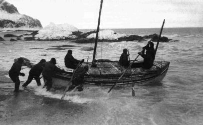The launch of the James Caird from Elephant Island, 1916. Collection of Scott Polar Research Institute, Cambridge, P66/18/16